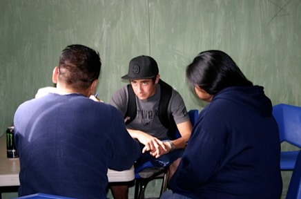 Photo: Students discussing