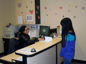 OSS Front Desk helping a student
