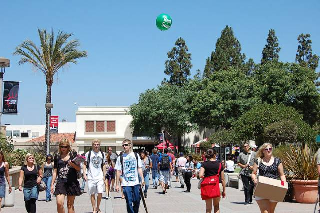 SDSU Bookstore in a one-holiday spirit, ignores Jewish faith – The ...