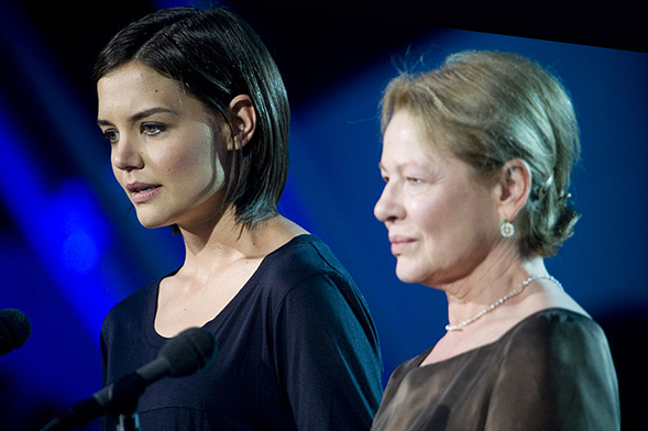 Actresses Katie Holmes (left) and Dianne Wiest at the National Memorial Day Concert in Washington, D.C.