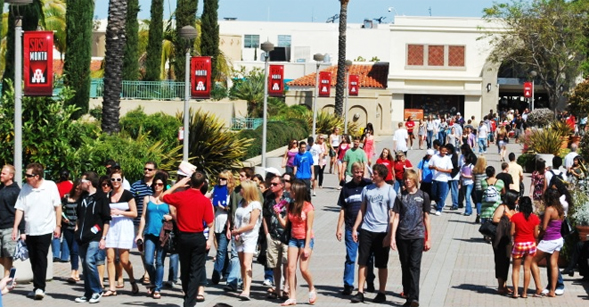 Explore SDSU features campus and classroom tours, entertainment and fun for Aztecs of all ages.