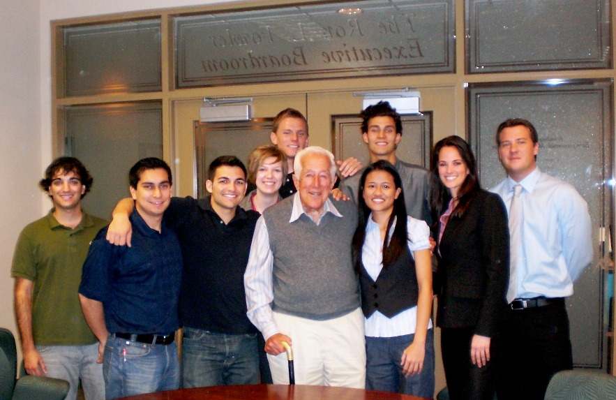 Leonard Lavin surrounded by SDSU's Lavin Entrepreneurs.