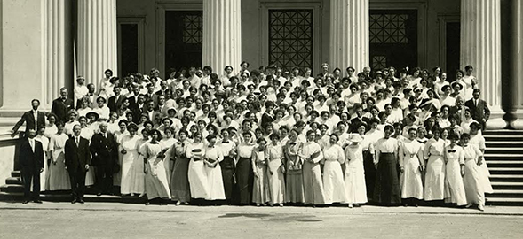 A group of faculty and students at the San Diego Normal School, circa 1913.