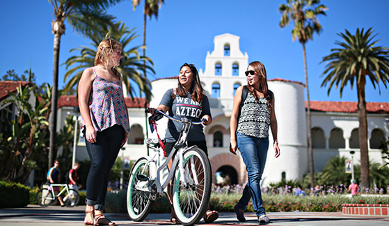SDSU welcomed more than 30,000 students to campus on Aug. 29 for the first day of fall semester classes. (Photo: Sandy Huffaker Jr.)