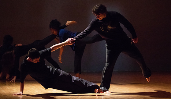 SDSU students take part in a physics and dance collaborative class. (Photo: Danny Sanders)