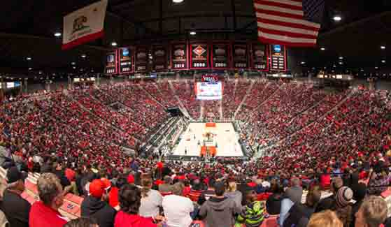 Viejas Arena during an SDSU men's basketball game (Credit: Mpu Dinani)