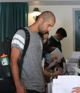 International freshmen checked into the International Student Center (ISC) on Aug. 22. (Photo: Alejandra Cruz)