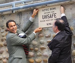 Seth Mallios and Elliot Hirshman unveil Aztec Bowl plaque