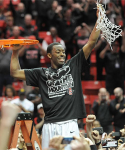 Xavier Thames cuts down the net