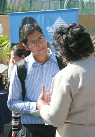 photo: student interacting with an employer representative